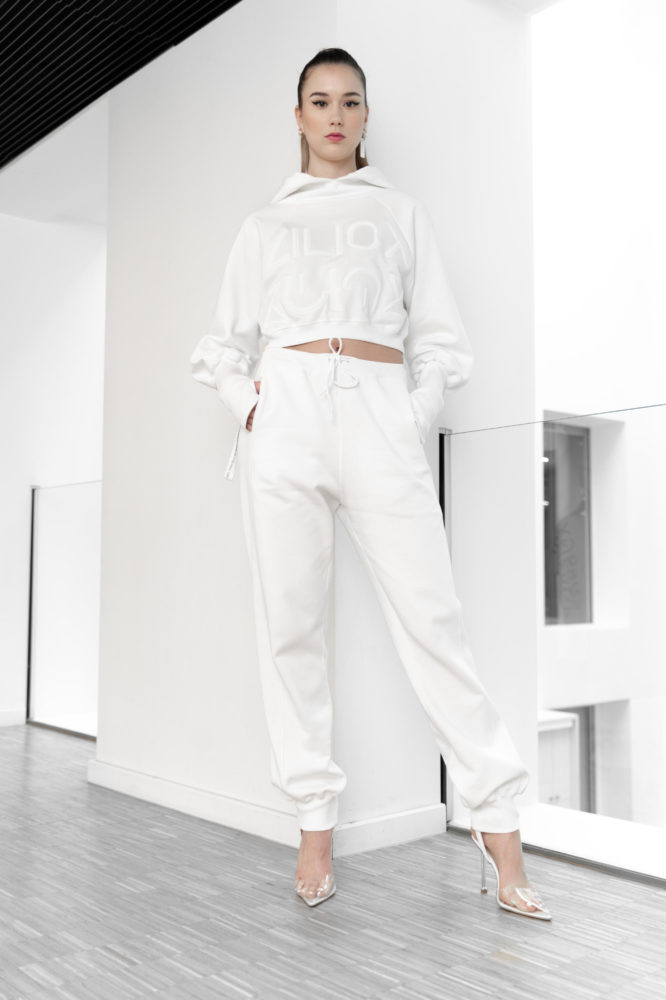 pull crop sweat coton bio blanc broderie 3D devant